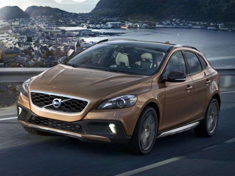 Volvo V40 2nd generation Cross Country 5 in hatchback. 1.6 D2 MT (2012–2013)