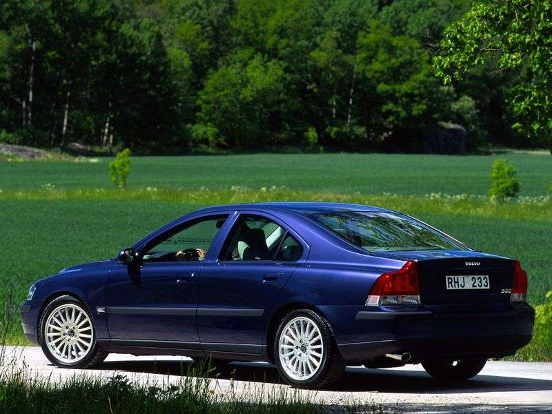 Volvo S60 1st generation sedan 2.4 T AT (2000–2004)