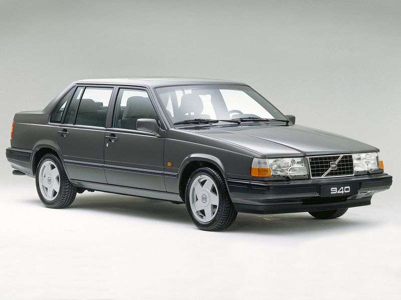 Volvo 940 1st generation 2.3 MT sedan (1988–1991)