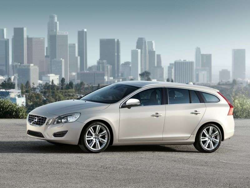Volvo V60 1st generation wagon 1.6 T3 MT Turbo Summum (2012) (2010–2013)