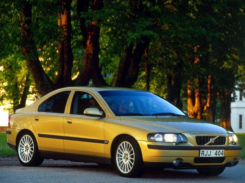 Volvo S60 1st generation 2.4 T5 AT sedan (2000–2004)