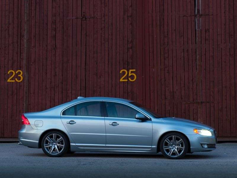 Volvo S80 2nd generation [2nd restyling] 2.4 D5 MT sedan (2013 – v.)