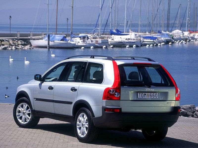 Volvo XC90 1st generation crossover 4.4 AT (2002–2006)