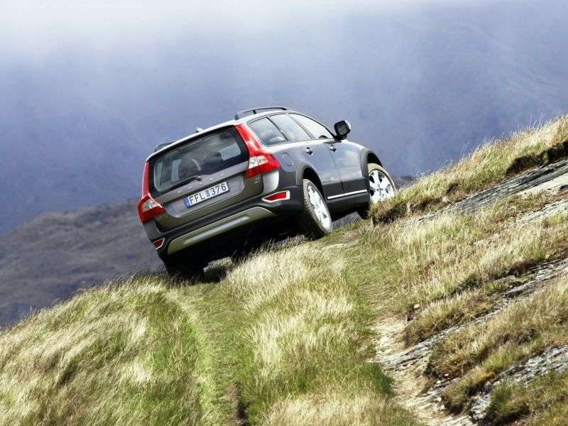 Volvo XC70 3 generation wagon 2.4 D4 Geartronic Turbo AWD Summum (2013) Special Series (2007–2013)