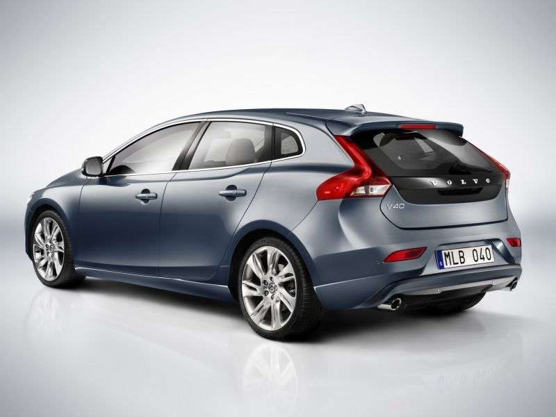 Volvo V40 2 generation hatchback 5 dv. 2.0 D3 MT Turbo (2012 – present)