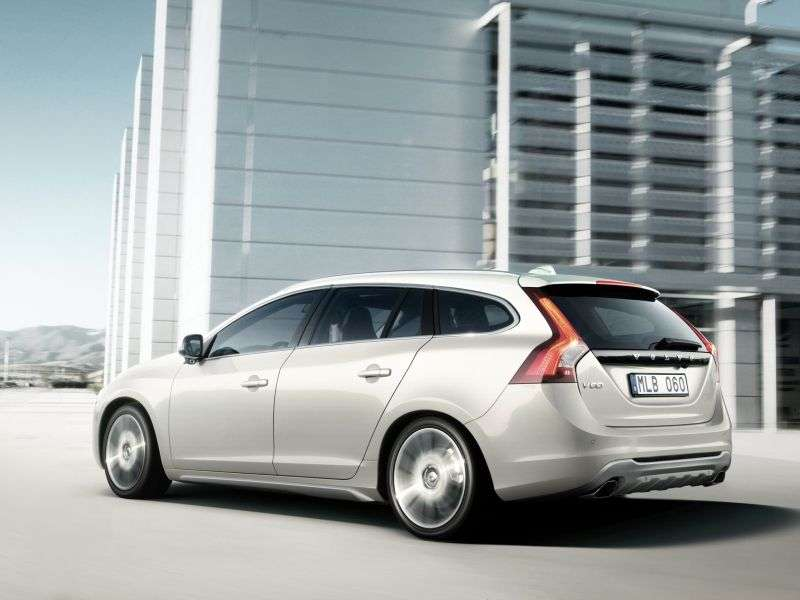 Volvo V60 1st generation wagon 3.0 T6 Geartronic AWD R Design (2012) (2010–2013)