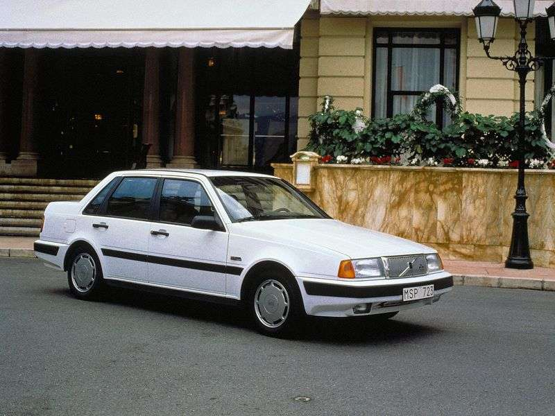 Volvo 460 1st generation 1.7 MT sedan (1989–1992)