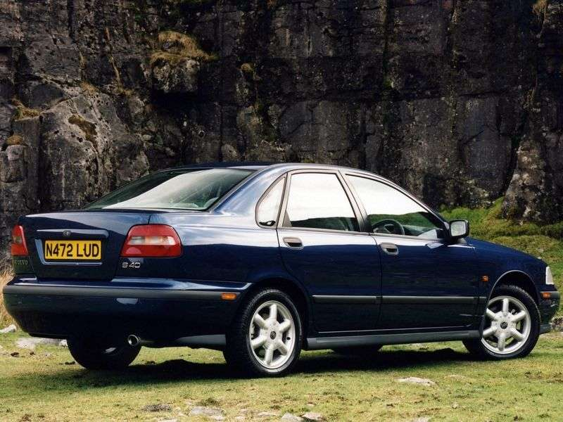 Volvo S40 1st generation 2.0 MT sedan (1995–2000)