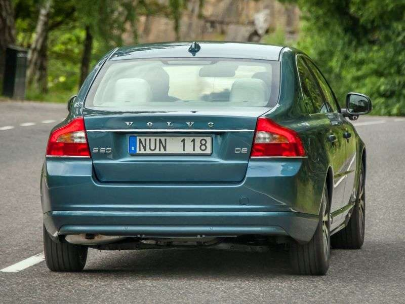 Volvo S80 2nd generation [restyled] 2.5 T5 Geartronic Sedan Kinetic Special Series (2012) (2006–2013)
