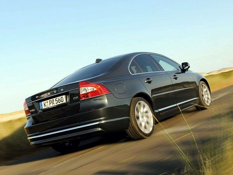 Volvo S80 2nd generation [2nd restyling] 2.0 D3 MT sedan (2013 – v.)