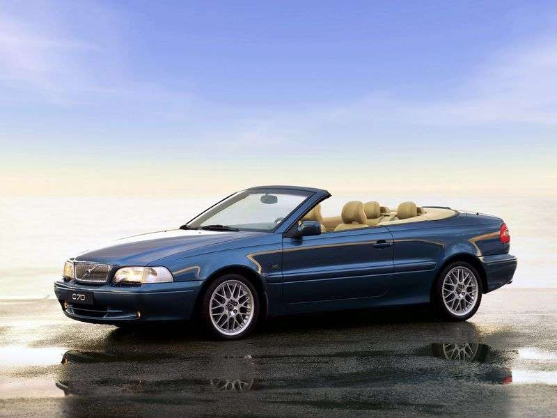 Volvo C70 1st generation convertible 2.4 MT (1999–2005)