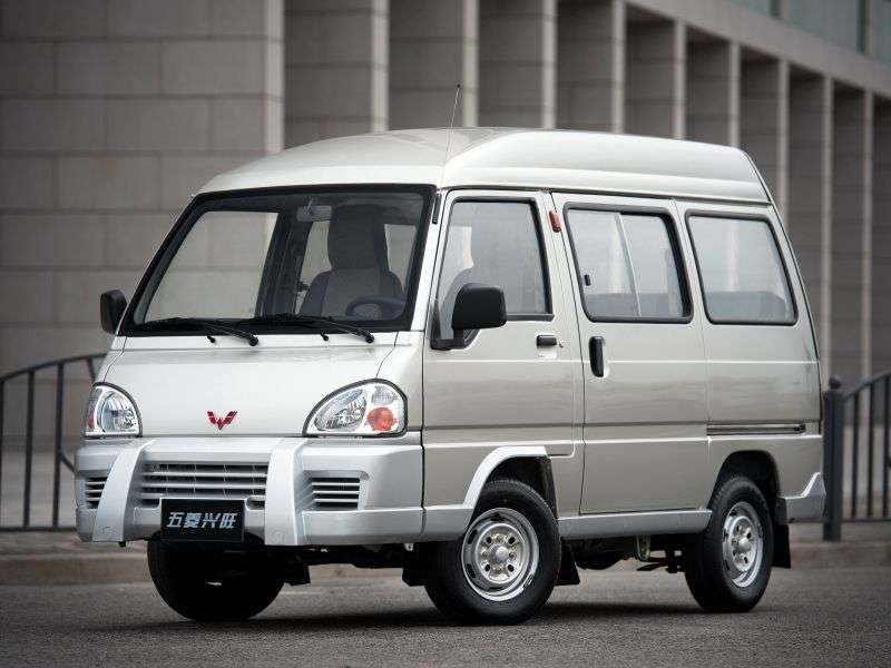 Wuling Xingwang 1st generation Minibus 1.0 MT (2006 – n.)